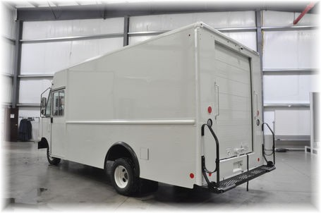 Ford New P1000 E-450 Parcel Delivery P&D ISP Ground Step Van